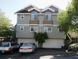 Super location, 3.5 bd, 3.5ba, Free Parking - Seattle vacation rentals