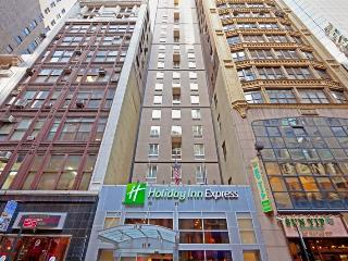 Impressive Holiday Inn Express NY 5th Ave - Manhattan vacation rentals