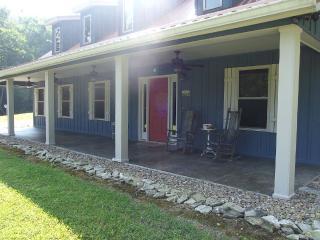 Tranquil cabin located near Gatlinburg - Hartford vacation rentals