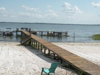 Lake front home rental in Florida - Ocklawaha vacation rentals
