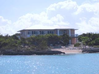 GIBRALTAR, Staniel Cay Beachfront Vacation Rental - Staniel Cay vacation rentals