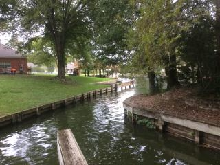 Lake views, your own dock, gated community - Montgomery vacation rentals