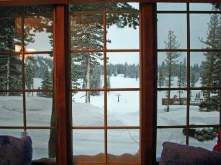 Ski in/Ski Out Condo at Canyon Lodge -Sleeps 8 - Mammoth Lakes vacation rentals