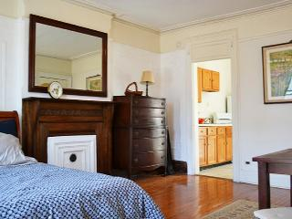 Large Sunny 2 Bedroom Brownstone - Brooklyn vacation rentals