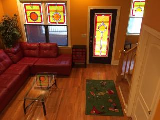 Beale 2 Blks,6 sleeping areas. 8 beds.Sleeps 12! - Memphis vacation rentals