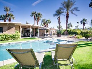 Palm Springs Beauty with Pool & Spa, Mountain Views - Yongcheng vacation rentals