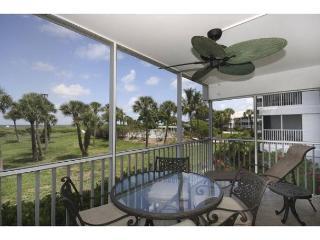 Luxury beach front condo in South Seas Island Resort - Captiva Island vacation rentals