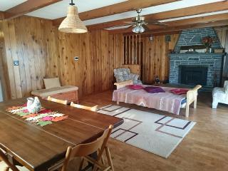 Nice Cozy Home In A Beautiful Gated Hemlock Farms - Pocono Lake vacation rentals