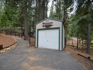 Arnold, CA Chalet-Rainy Retreat - Arnold vacation rentals