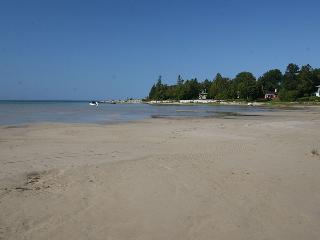 Nice 3 bedroom Cottage in Sauble Beach - Sauble Beach vacation rentals