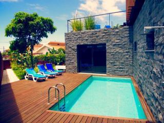 Villa Woodlovers Mar, Calheta - Unit 2 - Jardim do Mar vacation rentals