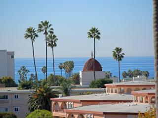 Ocean View beach comfort - Santa Monica vacation rentals