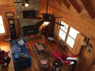 Beautiful peaceful quiet mountain log home by lake - Lake Lure vacation rentals