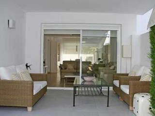 Bright 3 bedroom Apartment in Formentor with Dishwasher - Formentor vacation rentals