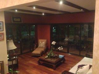 Melwood Chalet WiFi/Luxury - Kingston vacation rentals