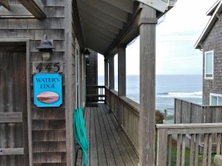 Waters Edge~ Ocean Front - Depoe Bay vacation rentals