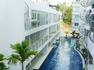 Modern 1-Bed Apartment in Karon - Karon vacation rentals