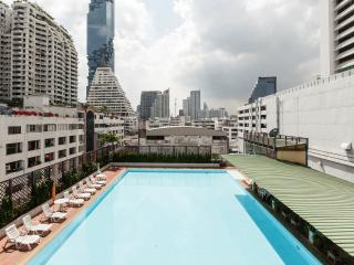 Stay in downtown w cosy & relax atmosphere,SilomRd - Bangkok vacation rentals