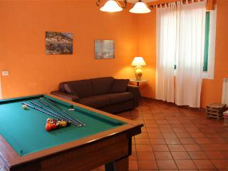 Nice House with Shared Outdoor Pool and Television - Francavilla di Sicilia vacation rentals