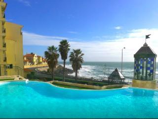 Upon the sea / 15 Kms from Lisbon / Free WIFI - Parede vacation rentals