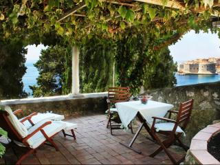 Beautiful 1 bedroom Dubrovnik Apartment with Internet Access - Dubrovnik vacation rentals