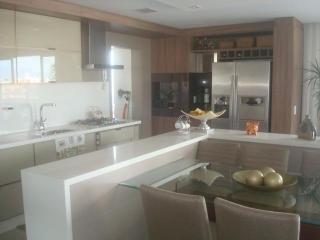 Apartamento na Barra,com toda infra-estrutura. - Salvador vacation rentals