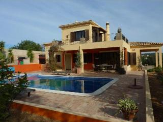 Very stylish villa with large swimming pool - Boliqueime vacation rentals
