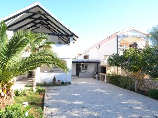 Apartmani Irena  - Vir 4 person - Vir vacation rentals