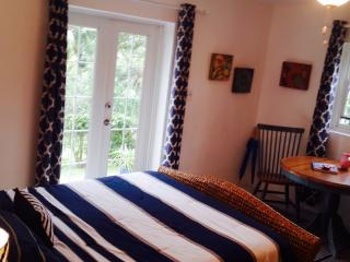 Studio with Breathtaking Views - Southampton - Southampton vacation rentals