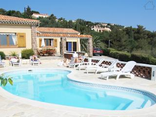 Enceladus  33509 villa with sea view, fenced pool, at 250 mtr. from the beach. - Les Issambres vacation rentals