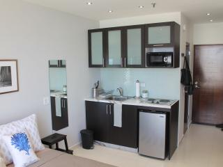 NEW studio across the beach (WiFi/Cable/Parking) - Isla Verde vacation rentals