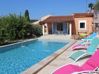 villa piscine au sel à 6 km des plages & calanques - Roquefort-la-Bedoule vacation rentals