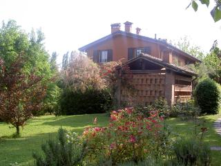 Beautiful Golf Course apartment near Bologna - Monte San Pietro vacation rentals