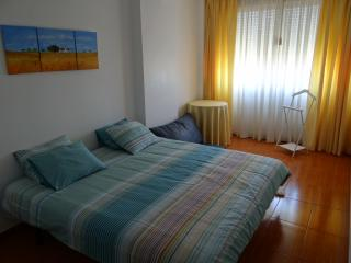 Flat in Loures (15 min from Lisbon) - Loures vacation rentals