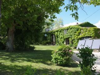 Beautiful restored farmhouse on the Dordogne - Pessac-sur-Dordogne vacation rentals