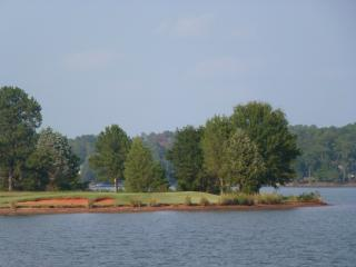 Perfect golf and family getaway - Eatonton vacation rentals
