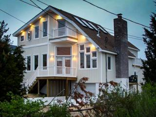 Lovely House with Housekeeping Included and Television - Amagansett vacation rentals