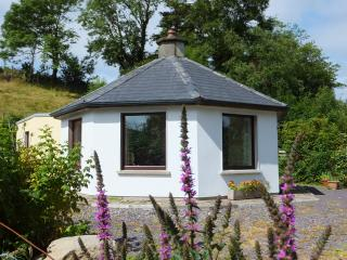 Unique cottage in peaceful setting, Bantry - Bantry vacation rentals