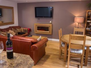 The Sapphire Suite, Luxury Apartment Birmingham, U - Birmingham vacation rentals