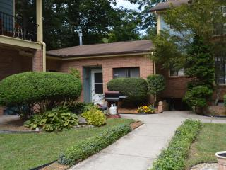 Large, relaxing apt. in lodge, adjoining park - Laurel Park vacation rentals