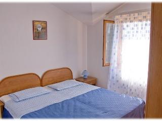 Family friendly Blue apartment in a peaceful bay - Vinisce vacation rentals