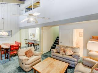 Perfect House with Internet Access and Shared Outdoor Pool - Mammoth Lakes vacation rentals