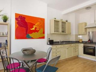 Light, spacious 3 bedroom maisonette near Harbour - Folkestone vacation rentals