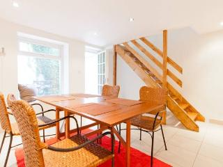 Cosy two bedroom maisonette near harbour - Folkestone vacation rentals