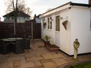 Detached modern double room with ensuite bathroom - Orpington vacation rentals