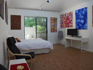 Beautiful South Fremantle Studio rental with Internet Access - South Fremantle vacation rentals