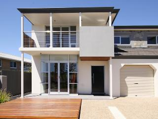 Bright Glenelg Townhouse rental with Internet Access - Glenelg vacation rentals