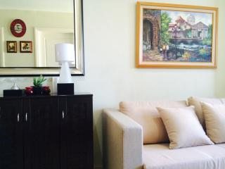 Newly furnished 1 bedroom suite at Gramercy Makati - Makati vacation rentals