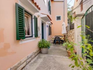 App 4 Natasa - Mali Losinj vacation rentals