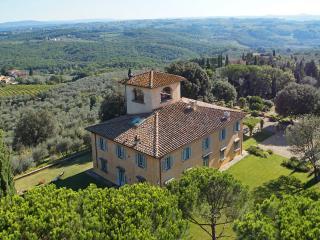 Luxury villa heated pool in Florence 16 sleeps - Romola vacation rentals
